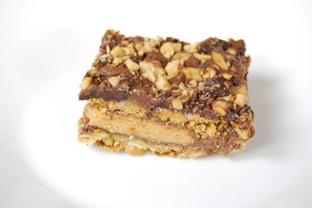 DSC 1909 Five Layer Reeses Bars