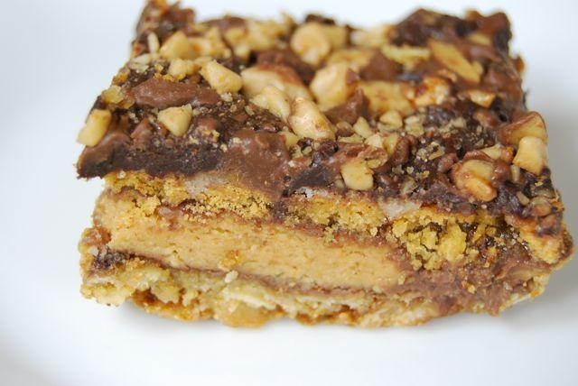 DSC 1914 Five Layer Reeses Bars