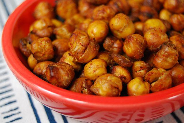 These Sweet and Spicy Roasted Chickpeas make a delicious and healthy snack!