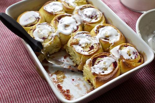 cran orange breakast buns 10 Christmas Breakfast Ideas