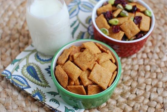 Like Cheez-Its but hate the ingredient list? Make this homemade version with real, simple ingredients and snack on them all week long!