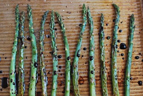 An easy dinner side dish - Balsamic Roasted Asparagus.