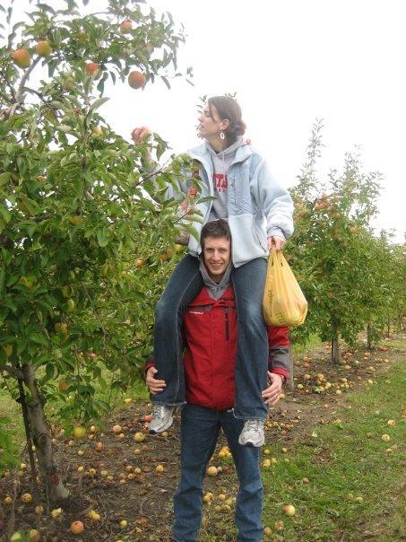 apple picking 2009