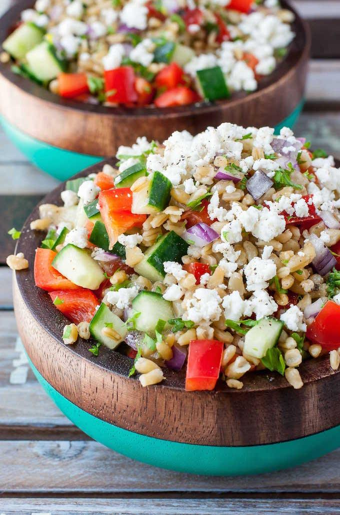 healthy-greek-freekeh-salad-recipe-PEASandCRAYONS-0963