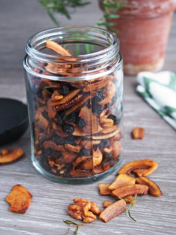 coconut chip trailmix
