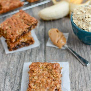 These Easy Banana Oat Bars are gluten-free, kid-friendly and make the perfect snack. Grab the kids and try this recipe today!