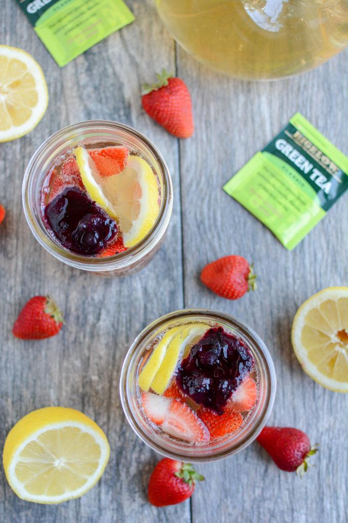 This Sparkling Green Tea is perfect for summer. Add some bubbles to make it more exciting and some frozen fruit cubes to cool it down while adding flavor!