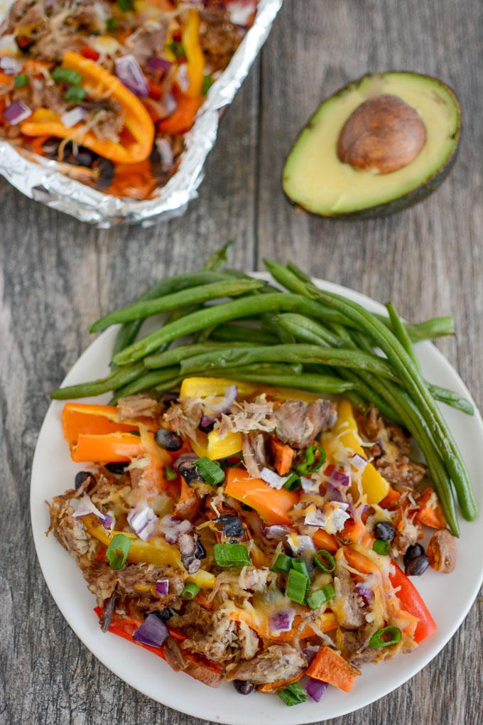 Mini Bell Pepper Pulled Pork Nachos
