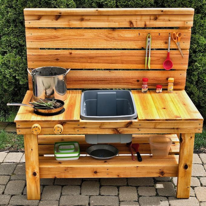 How To Build A Mud Kitchen for under $100